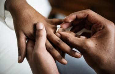 不倫相手と結婚したい私必見!浮気相手の彼と結婚し後悔せず100%幸せになる極意