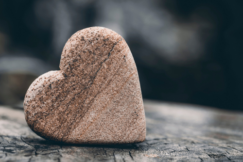 略奪愛できるハートの石の待ち受け画像