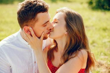 婚外恋愛と不倫の違いと既婚男性&既婚女性がただの不倫ではなく婚外恋愛に求める事の違い