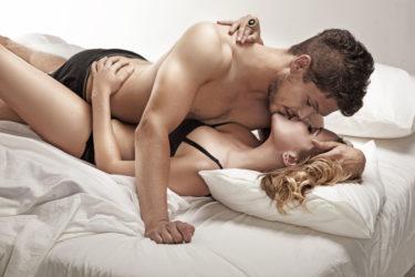 不倫とセフレの確実な違いとは?既婚者の男性心理の見極め方とただのセフレから本命彼女に昇格する方法を徹底紹介